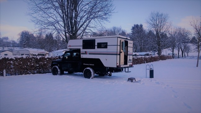 camperunit-in-snow