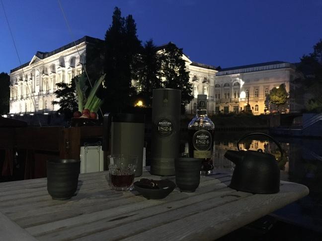 In Gent tasting Trinidad rum